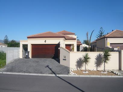 2 Bedroom House For Sale in Flamingo Vlei - Home Sell - MR19249