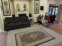 Lounges - 28 square meters of property in Northcliff
