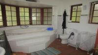 Main Bathroom - 12 square meters of property in Northcliff