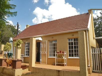 2 Bedroom House For Sale in Bromhof - Private Sale - MR19312