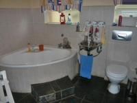 Bathroom 1 - 7 square meters of property in Kempton Park
