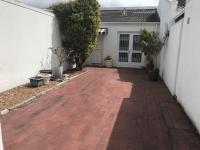 2 Bedroom 1 Bathroom House to Rent for sale in Marina da Gama