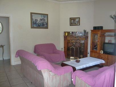 Lounges - 9 square meters of property in Brakpan