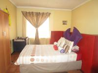 Main Bedroom - 18 square meters of property in Sharon Park