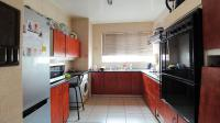 Kitchen - 14 square meters of property in Bramley Park