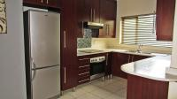 Kitchen - 32 square meters of property in Greenstone Hill
