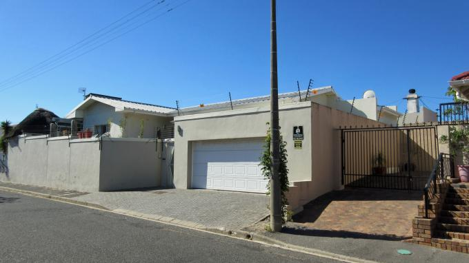 3 Bedroom House for Sale For Sale in Strand - Home Sell - MR194435