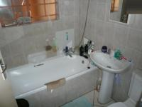 Main Bathroom - 3 square meters of property in Annlin