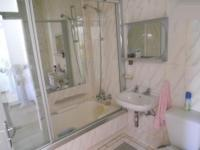 Bathroom 1 - 3 square meters of property in Melville