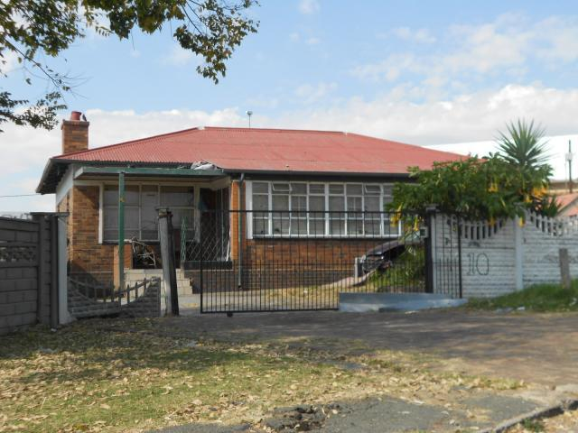 Standard Bank Repossessed 3 Bedroom House for Sale on online auction in South Hills - MR19504