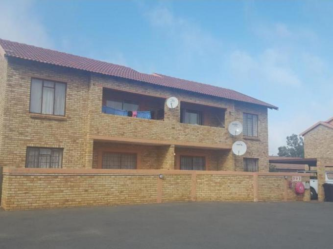 2 Bedroom Apartment for Sale For Sale in Randfontein - MR197133