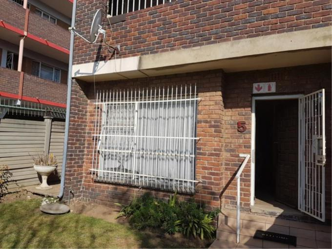 3 Bedroom Duplex for Sale For Sale in Rosettenville - MR198627