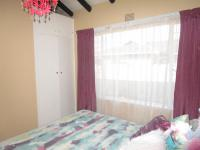 Bed Room 1 - 13 square meters of property in Vaalpark