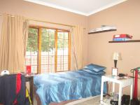 Bed Room 1 - 9 square meters of property in Sharonlea