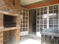 Patio - 10 square meters of property in Riversdale