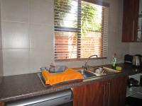 Kitchen - 14 square meters of property in Sundowner