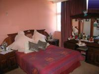 Bed Room 1 - 14 square meters of property in Gezina
