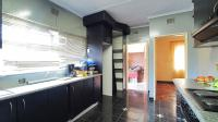 Kitchen - 19 square meters of property in Westpark