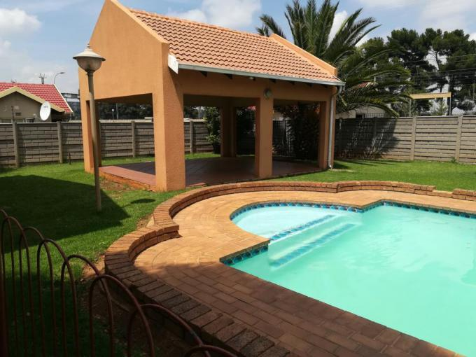 3 Bedroom Simplex for Sale For Sale in Germiston South - MR202013
