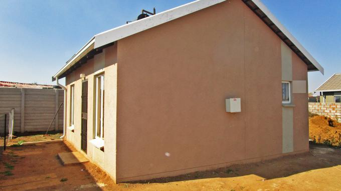 Standard Bank EasySell 2 Bedroom House for Sale For Sale in Windmill Park - MR202176