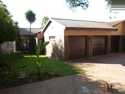 3 Bedroom Duet for Sale For Sale in Rooihuiskraal - Private Sale - MR20241