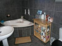 Main Bathroom - 9 square meters of property in Montana Park