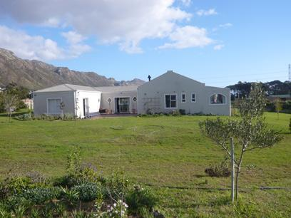 4 Bedroom House For Sale in Gordons Bay - Home Sell - MR20249