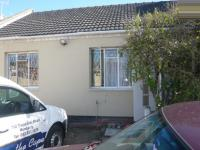 4 Bedroom 1 Bathroom in Muizenberg