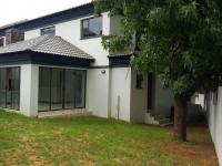 3 Bedroom 3 Bathroom House to Rent for sale in Sterrewag