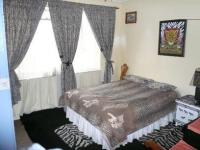 Bed Room 1 - 9 square meters of property in Pretoria Gardens