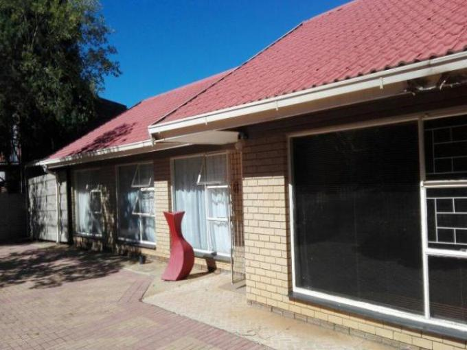 Standard Bank EasySell 3 Bedroom House for Sale For Sale in Bloemfontein - MR204122