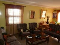 Lounges - 28 square meters of property in Bellville