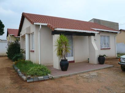 Standard Bank Repossessed 3 Bedroom House For Sale in Ormonde - MR20465