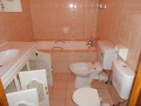 Bathroom 1 - 2 square meters of property in Observatory - JHB