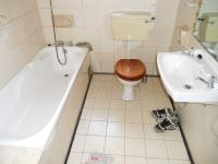 Bathroom 1 - 6 square meters of property in Bethelsdorp
