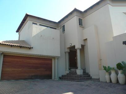 Standard Bank Repossessed 3 Bedroom Duet for Sale For Sale in Highveld - MR20482