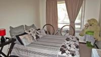 Main Bedroom - 13 square meters of property in Jackal Creek Golf Estate