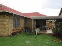 3 Bedroom 2 Bathroom Flat/Apartment for Sale for sale in Highveld