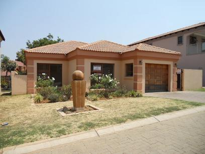 Standard Bank Repossessed 3 Bedroom House For Sale in Bassonia Rock - MR20507