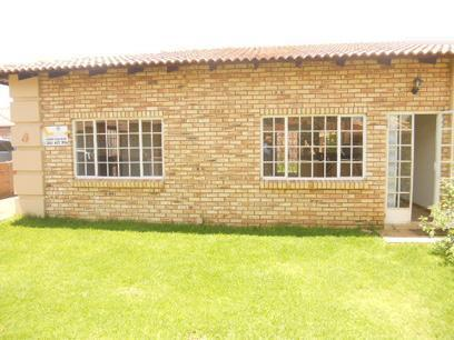 2 Bedroom Cluster for Sale For Sale in Randfontein - Home Sell - MR20509