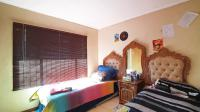 Bed Room 1 - 12 square meters of property in The Orchards