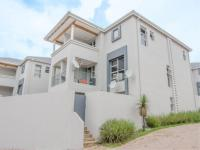 3 Bedroom 2 Bathroom House to Rent for sale in Strathavon