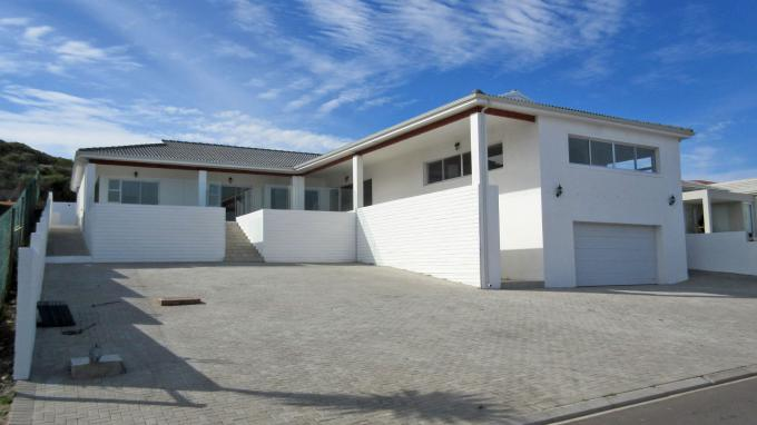 4 Bedroom House for Sale For Sale in Yzerfontein - Home Sell - MR207976