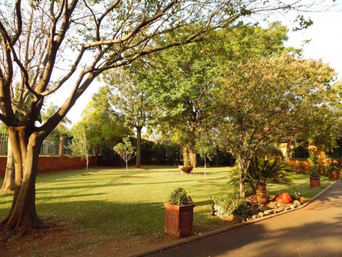 6 Bedroom House for Sale For Sale in Raslouw - MR208186