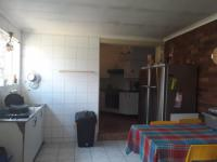 Kitchen - 7 square meters of property in Sunward park