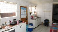 Scullery - 8 square meters of property in Sunward park