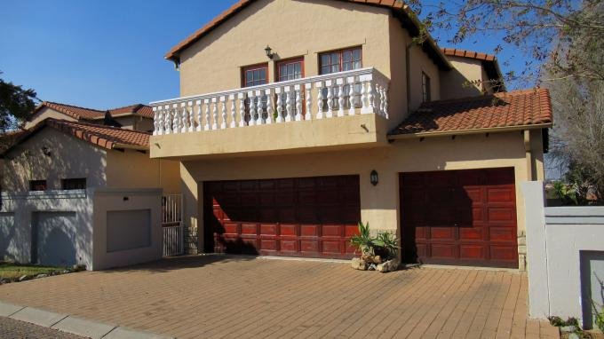 Standard Bank EasySell 3 Bedroom House for Sale in Blue Hills - MR208893