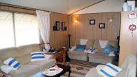 Lounges - 29 square meters of property in Hibberdene
