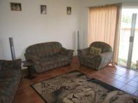 Lounges - 24 square meters of property in Sinoville