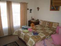 Main Bedroom - 14 square meters of property in Sinoville